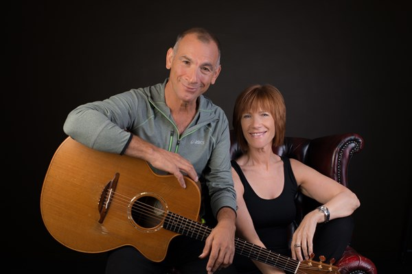 Kiki Dee and Carmelo Luggeri - An Acoustic Journey
